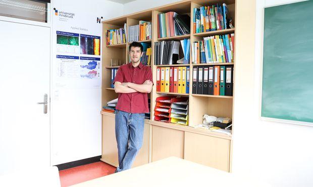 Liebt es, Dinge bis ins Detail zu verstehen und präzise auszuarbeiten: Tobias Hell, Mathematiker an der Uni Innsbruck.
