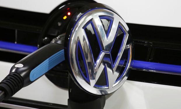 Stromstoß für China: VW investiert zehn Milliarden Euro in seine fernöstliche W-Auto-Offensive.