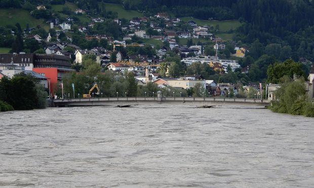 Die Steinbrücke in Schwaz am Mittwoch in der Früh
