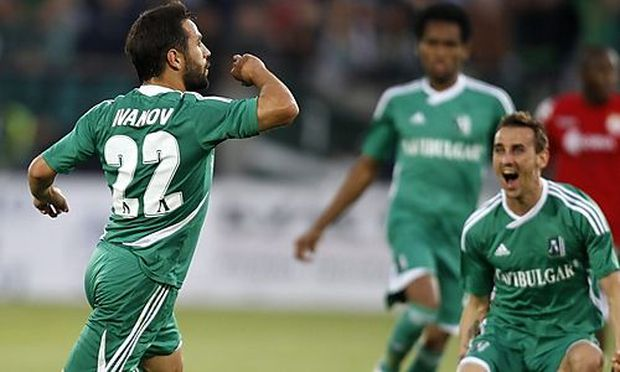 Miroslav Ivanov feiert den entscheidenden Treffer.