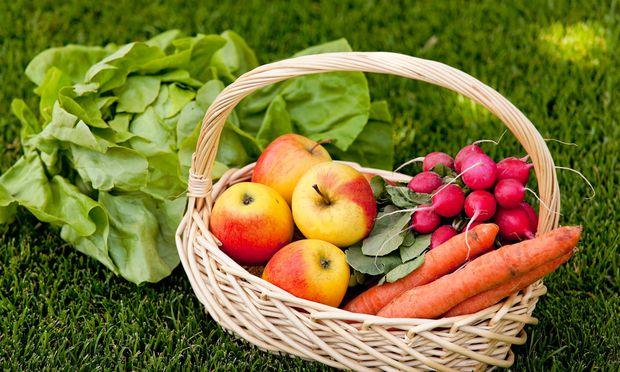 Auch heimisches Obst und Gemüse ist gesund.