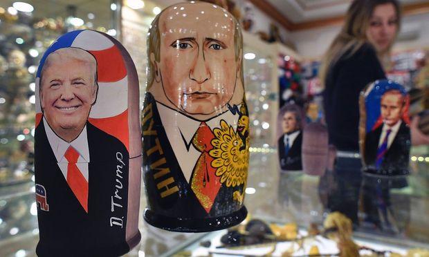 Trump und Putin suchen Annäherung. / Bild: APA/AFP/ALEXANDER NEMENOV