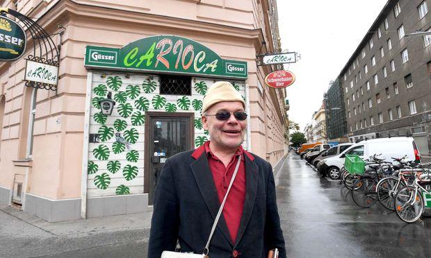 Otto Lechner vor seinem ehemaligen Lieblingslokal in der Wasnergasse.
