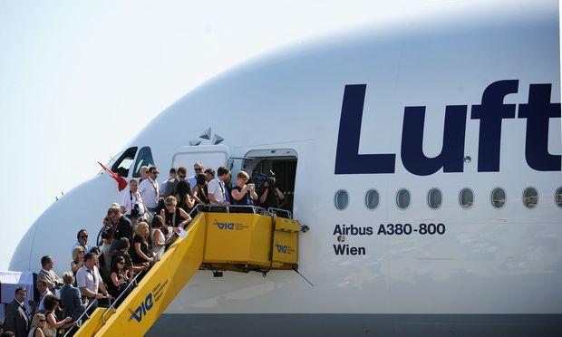 Alles einsteigen: Die DEVISEN&CO Lufthansa-Aktie könnte nach dem Air-Berlin-Deal kräftig abheben.