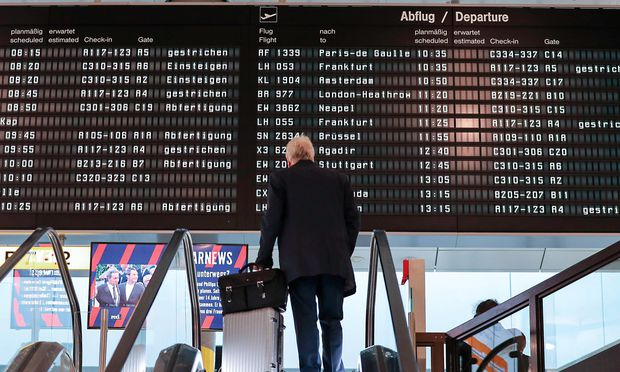 Danke, B. D. Sadow, für deine Erfindung namens Rollkoffer. Wer sich öfter auf Flughäfen herumtreiben muss, ist froh, nicht schleppen zu müssen.