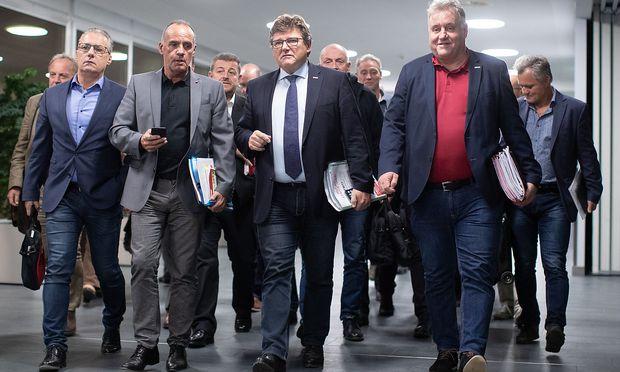 Metaller-Gewerkschaft marschiert voran.  / Bild: APA/GEORG HOCHMUTH