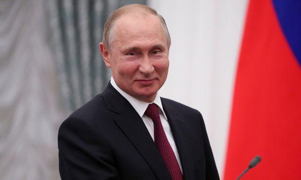 Da eine Umfrage über das Vertrauen der Bürger in Wladimir Putin nicht das gewünschte Ergebnis brachte, änderten die Soziologen die Fragestellung.