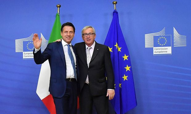 EU-Kommissionspräsident  Jean-Claude Juncker mit Italiens Premier Giuseppe Conte