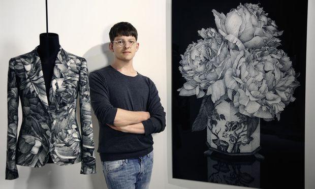 Transfer. Details aus Motiven von Thilo Westermann wurden zu textilen Zitaten.