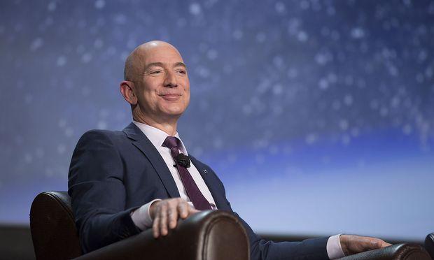 Amazon-Gründer Jeff Bezos hat Bill Gates in der Reichen-Rangliste überholt.