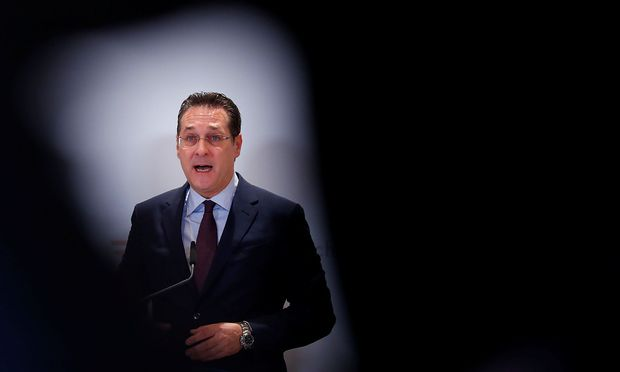 Austria´s Vice Chancellor Strache addresses the media in Vienna