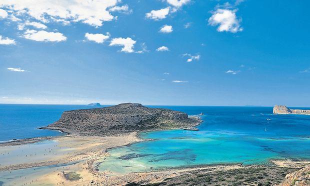 Außergewöhnliche Form: Der Balos Beach bei Kissamos ist der Strand Griechenlands schlechthin. Im Herbst kann man das Naturschauspiel mit weniger Badenden teilen.