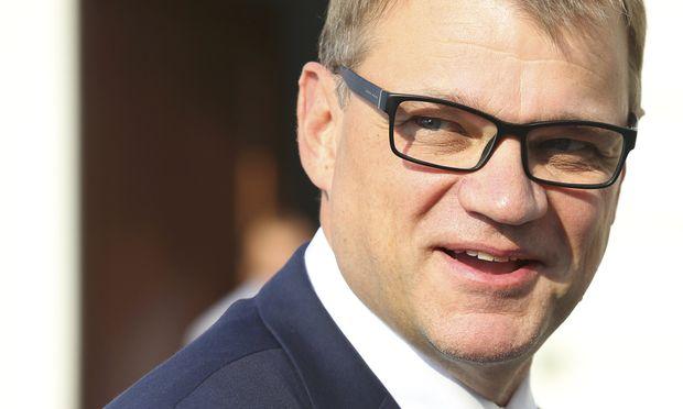 Finnlands Regierungschef Sipilä startet arbeitsmarktpolitisches Experiment.