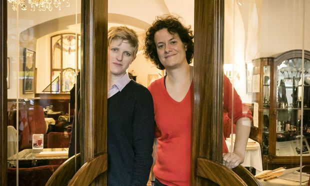 Regisseurinnen Gil Levanon (l.) und Kat Rohrer (r.). Ihr Film läuft am 17.10. um 17 Uhr im De France.
