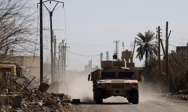 Bei der Belagerung der Ortschaft Baghuz: Die Enklave in Syrien wird noch von IS-Schergen kontrolliert.