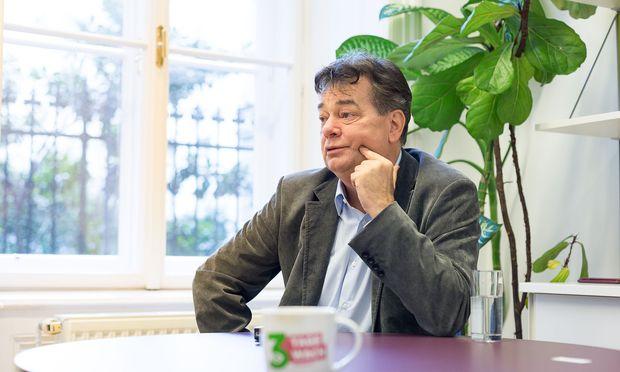 Grünen-Chef Werner Kogler zeigt sich trotz herber Rückschläge kämpferisch. Der Aufbau der Partei soll nun starten.