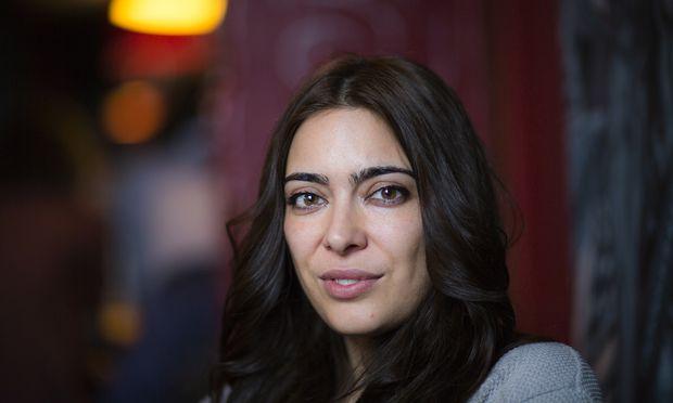 """Ihr Buch """"City of Lies"""" über das Leben in Teheran wurde zum Bestseller: Die britisch-iranische Journalistin Ramita Navai lebte selbst allerdings nur kurz im Iran."""