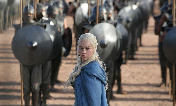Daenerys Targaryen mit ihrer Armee der Unsullied / Bild: (c) HBO