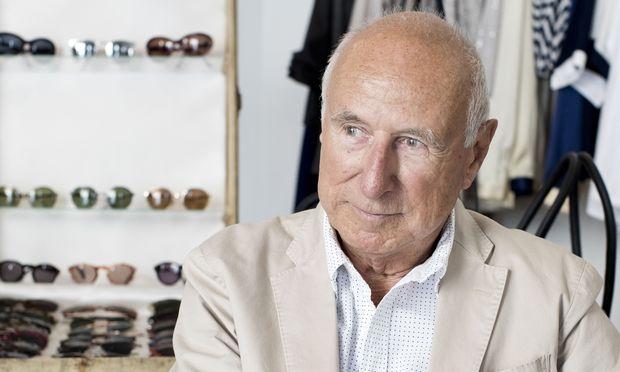 Robert La Roche hat für die Boutique Trendzeit in seinem Brillenarchiv gestöbert.