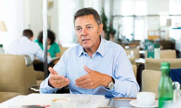 Handl-Tyrol-Chef Josef Wechner beliefert auch große Supermarktketten wie Spar, Edeka, Rewe, Hofer und Lidl.