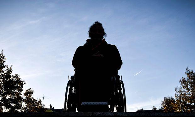 Laut einer Wifo-Studie für das Sozialministerium würde durch die geplante Abschaffung der Notstandshilfe künftig ein Drittel der Arbeitslosen keine Leistung mehr bekommen. Besonders betroffen wären Behinderte.