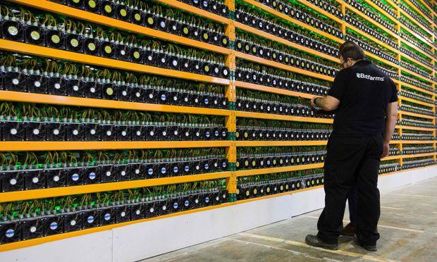 Bitcoin (hier eine Miningfarm in Kanada) hat zwar an Wert verloren, die Blockchain-Technologie gewinnt jedoch Anwendungen.