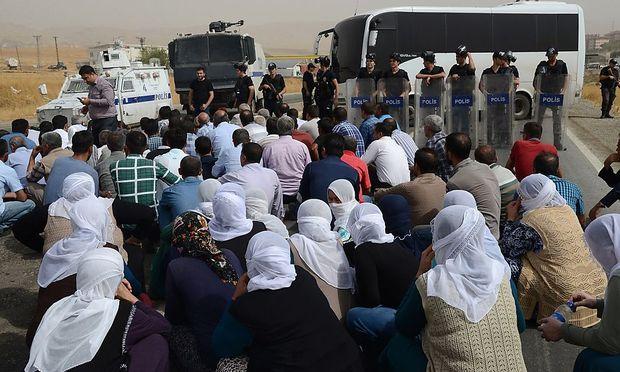 Kurdische Demonstranten im Süden der Türkei.