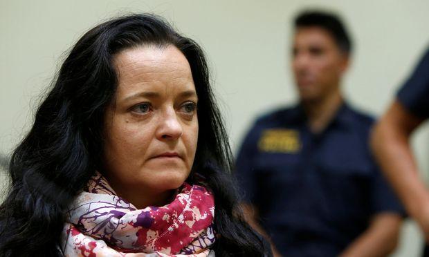 Die 43-jährige Beate Zschäpe erhält am Mittwoch in München die Höchststrafe: lebenslange Haft.