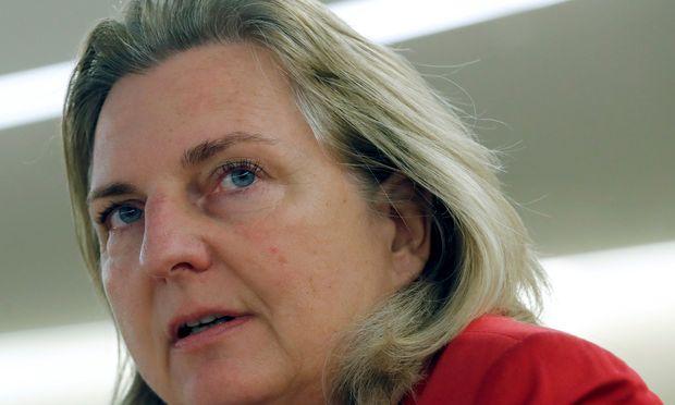 Karin Kneissl.