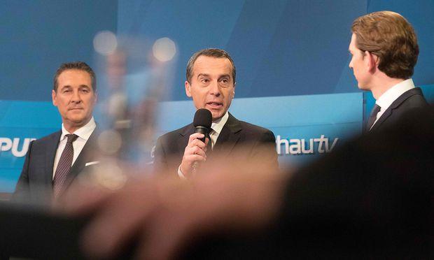 Diese drei Herren führen das Facebook-Fan-Ranking in Österreichs Politik an: Strache (li.) führt knapp vor Kurz (re.), deutlich vor Kern. / Bild: APA/AFP/ALEX HALADA