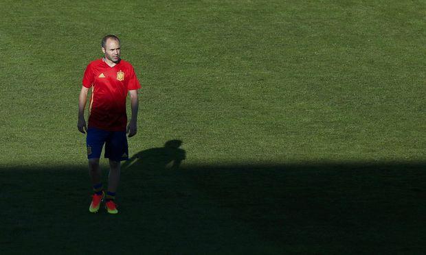 Andr´es Iniesta prägte die erfolgreichste Ära des spanischen Fußballs, nun hat sich der Altmeister verabschiedet.