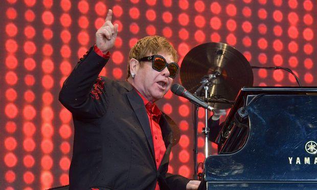 Auftritt der Elton John Band im Rahmen der Elton John World Tour 2017 w�hrend des Rocksommers auf B