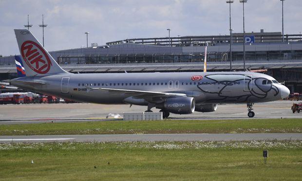 Dobrindt: Lufthansa soll Löwenanteil von Air Berlin bekommen