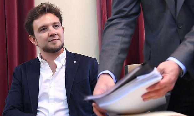 Archivbild: Gernot Rainer vor Gericht