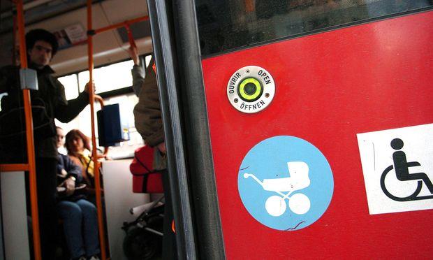 In öffentlichen Verkehrsmitteln (im Bild ein Bus der Wiener Linien) muss jeder Fahrgast auf sich selbst aufpassen.