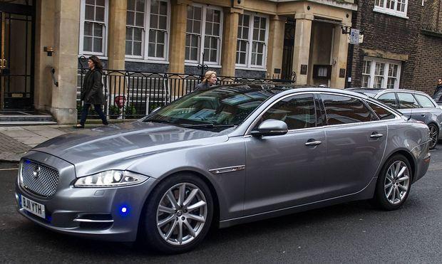 Der Jaguar, mit dem Premierminiserin May nach dem Anschlag in Sicherheit gebracht wurde.