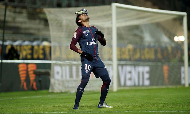 Paris St. Germains Neymar feiert seinen Elfer-Treffer