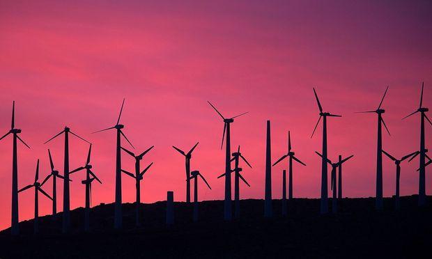 Windkraftanlagen können sich negativ auf die Gesundheit der Anrainer auswirken, schreibt die WHO.