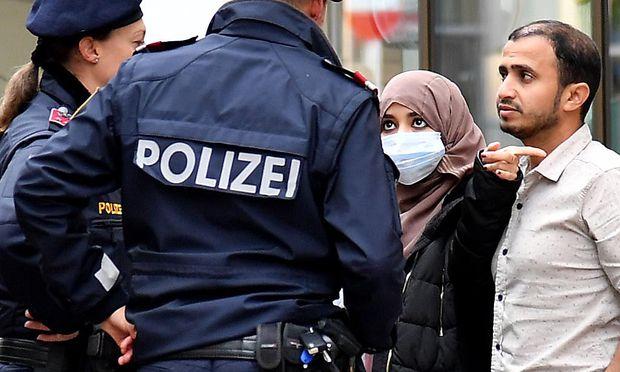 Teile der Polizei halten das Anti-Gesichtsverhüllungsgesetz für nicht nachvollziehbar. / Bild: APA/BARBARA GINDL