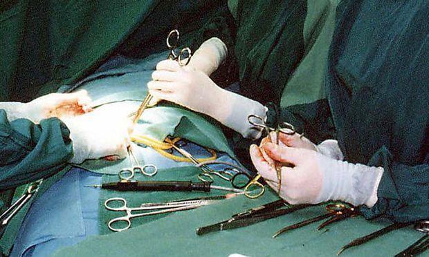 Reformplan: Dürfen Krankenschwestern operieren?