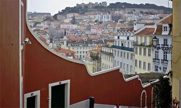 senkt Daumen ueber Portugal