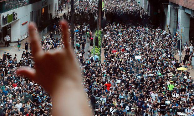 Wieder haben Tausende in Hongkong demonstiert