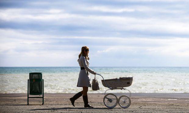 Spätes Mutterglück: Viele Frauen schieben ihren Kinderwunsch auf und vertrauen darauf, noch lang fruchtbar zu sein.