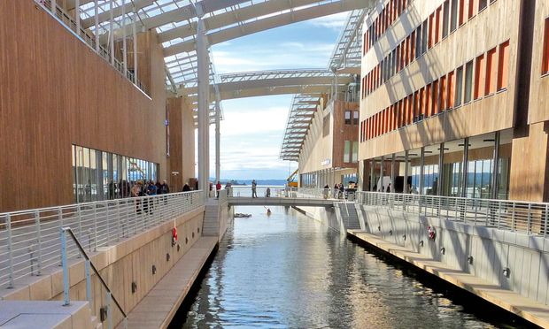Am Wasser, übers Wasser flanieren: das neue Astrup Fearnley Museum.
