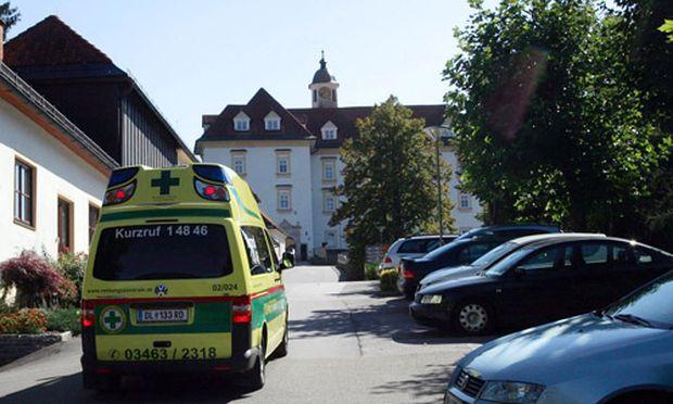 Pflegeheim Guertelschlaege fuer Patienten