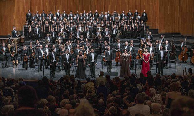 Mit Standing Ovations begrüßte das Publikums Plácido Domingo in Salzburg – eine Solidaritätsbekundung angesichts der #MeToo-Anschuldigungen gegen den Tenor.