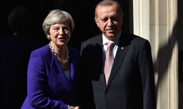 https://media.diepresse.com/images/uploads_620/b/1/1/5430033/May-15-2018-London-England-United-Kingdom-British-Prime-Minister-Theresa-May-greets-Turkish-P_1526407682446313_v0_l.jpg