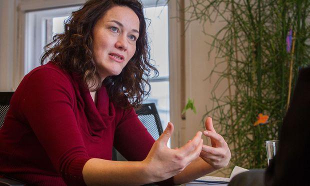 """Ingrid Felipe war als Bundessprecherin der Grünen """"als Feuerwehrfrau im Einsatz – nicht besonders erfolgreich"""". / Bild: (c) kristen-images.com / Michael Kri"""