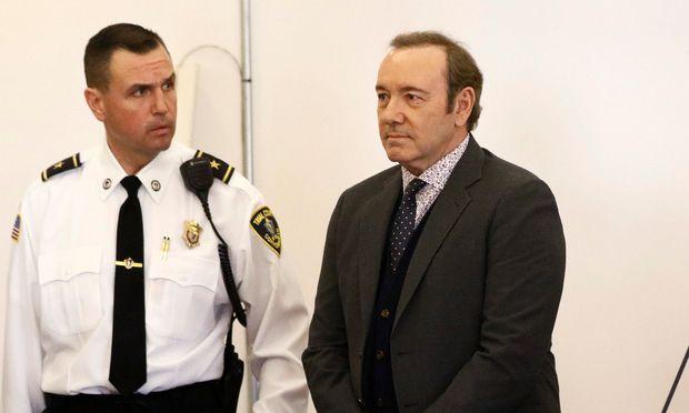 Bei einer Verurteilung drohen dem Hollywoodstar bis zu fünf Jahre Haft.