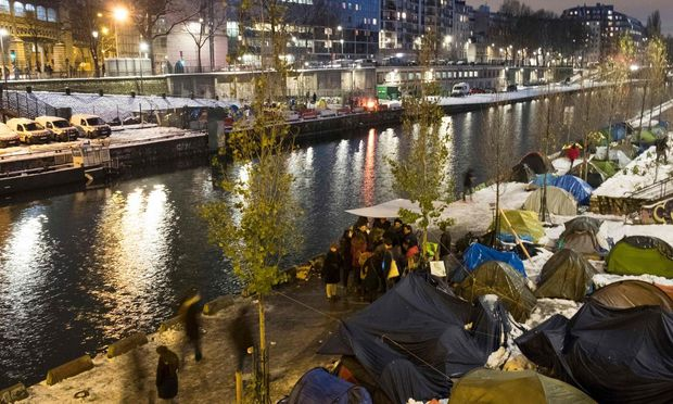 Symbolbild Flüchtlinge in Paris.